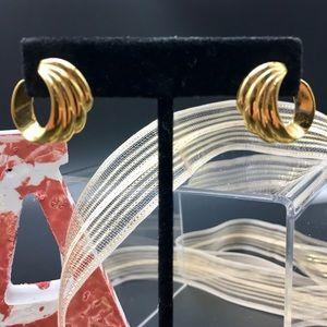 "EUC Vintage Monet .5"" Pierced Earrings Gold-plated"